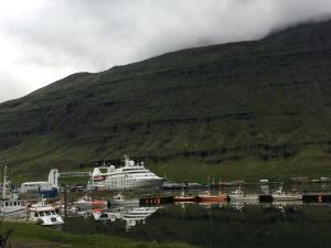 Windstar Cruise, Iceland